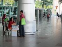 Teksi-Ticket-Verkauf am Flughafen (Foto: chari , Miri, Sarawak, Malaysia am 04.03.2011) [2188]