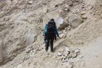 kleiner Pfad am abgerutschten Hang (Foto: chari , Gangotri National Park, Uttarakhand, Indien am 07.05.2019) [5253]